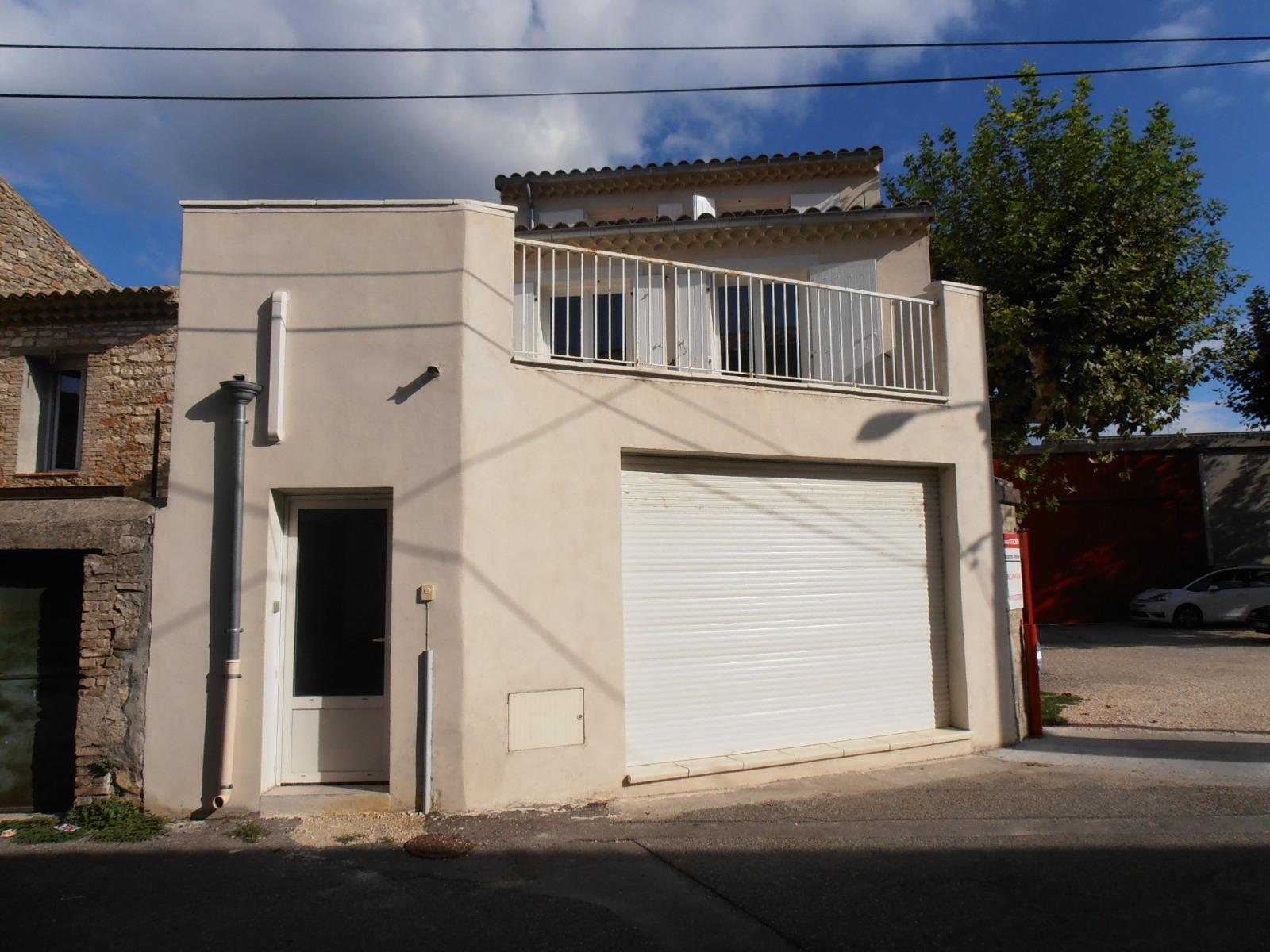 Location local professionnel avec appartement duplex t2 - Garage pont saint esprit ...